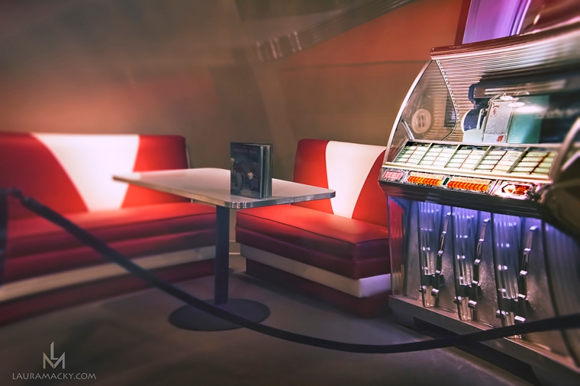Replication of 1950's Diner