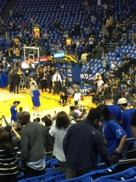 Stef Curry Dribbling in Warmup